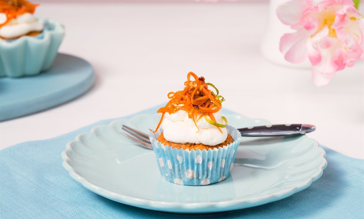 carrot cupcakes mit limetten mascarpone  frosting